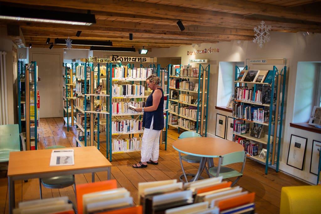 Bibliothèque Michel Butor à Lucinges - intérieur