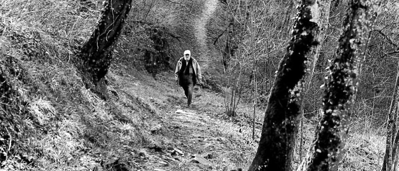 Michel Butor en promenade à Lucinges© Maxime GODARD